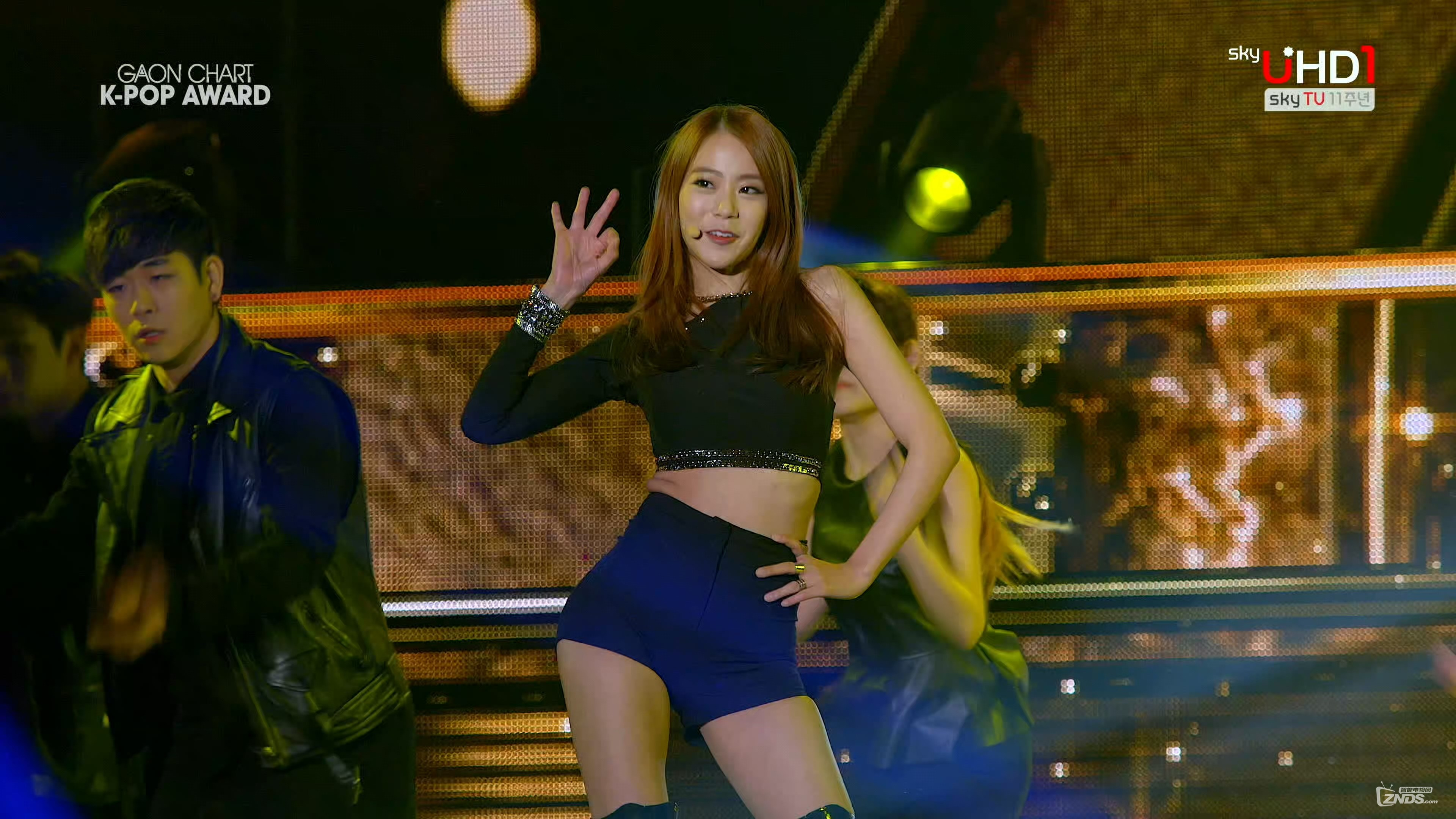 KARA - Mamma Mia (150128 SkyUHD 4th Gaon Chart K-Pop Awards).ts_2017_06.jpg