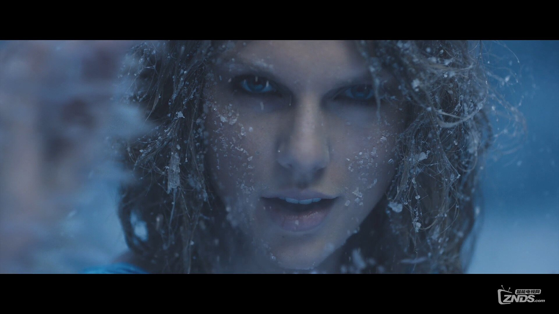 Taylor Swift - Out of the Woods.ts_20160103_194225.625.jpg