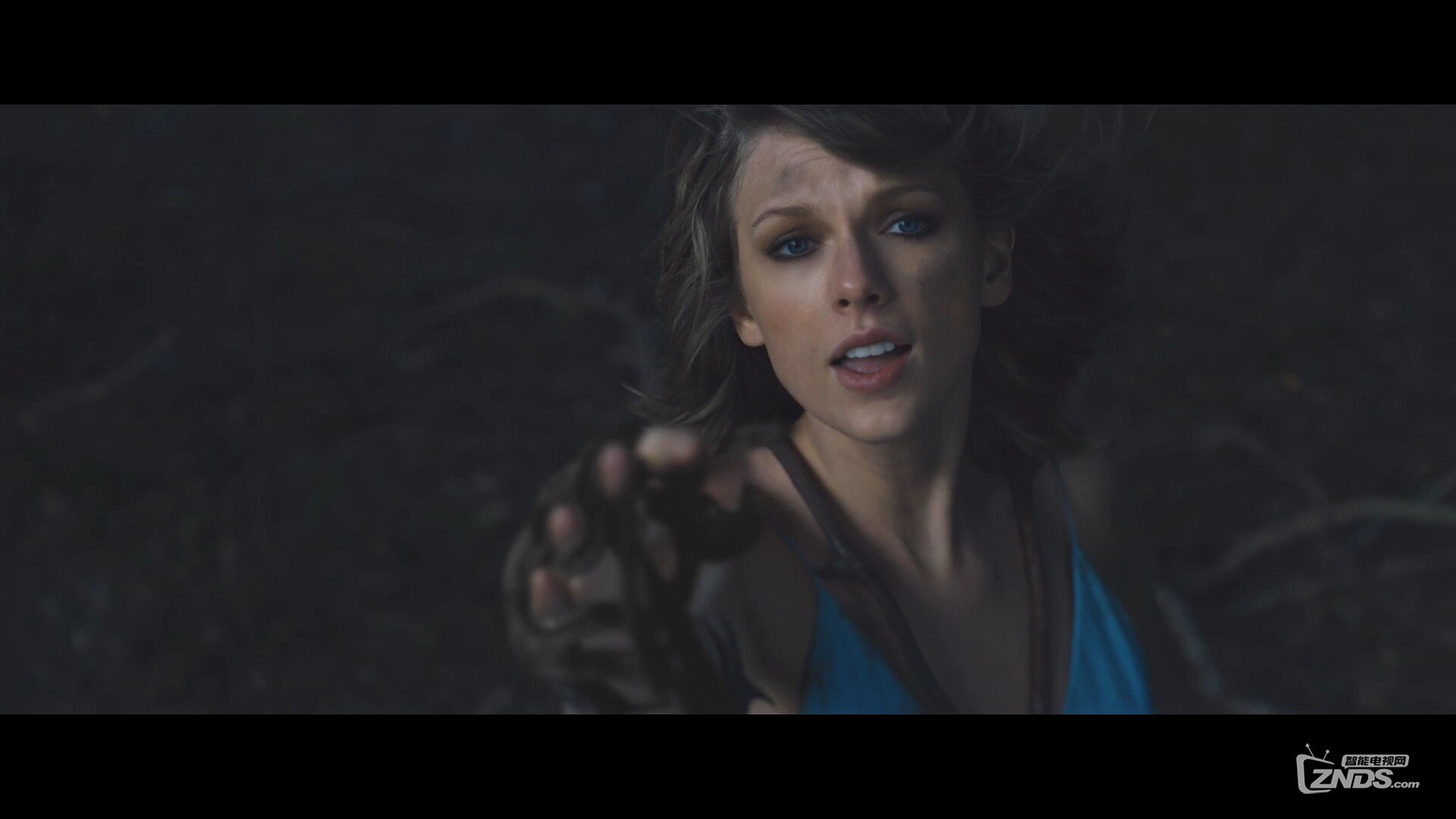 Taylor Swift - Out of the Woods.ts_20160103_194415.640.jpg